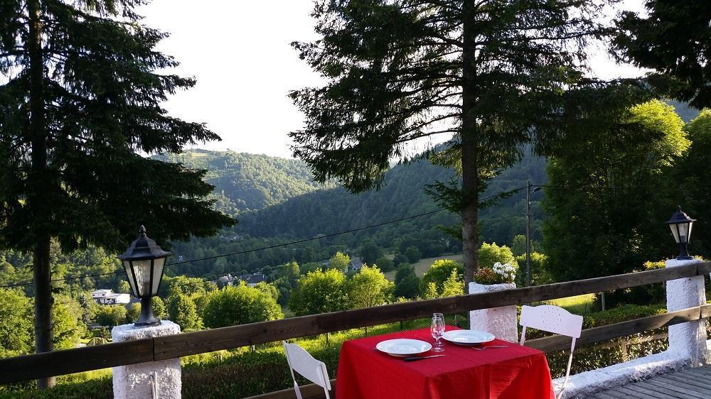 Frankrijk-Neuveglise-Flower%20Camping%20Le%20Belvedere-ExtraLarge Campings Frankrijk