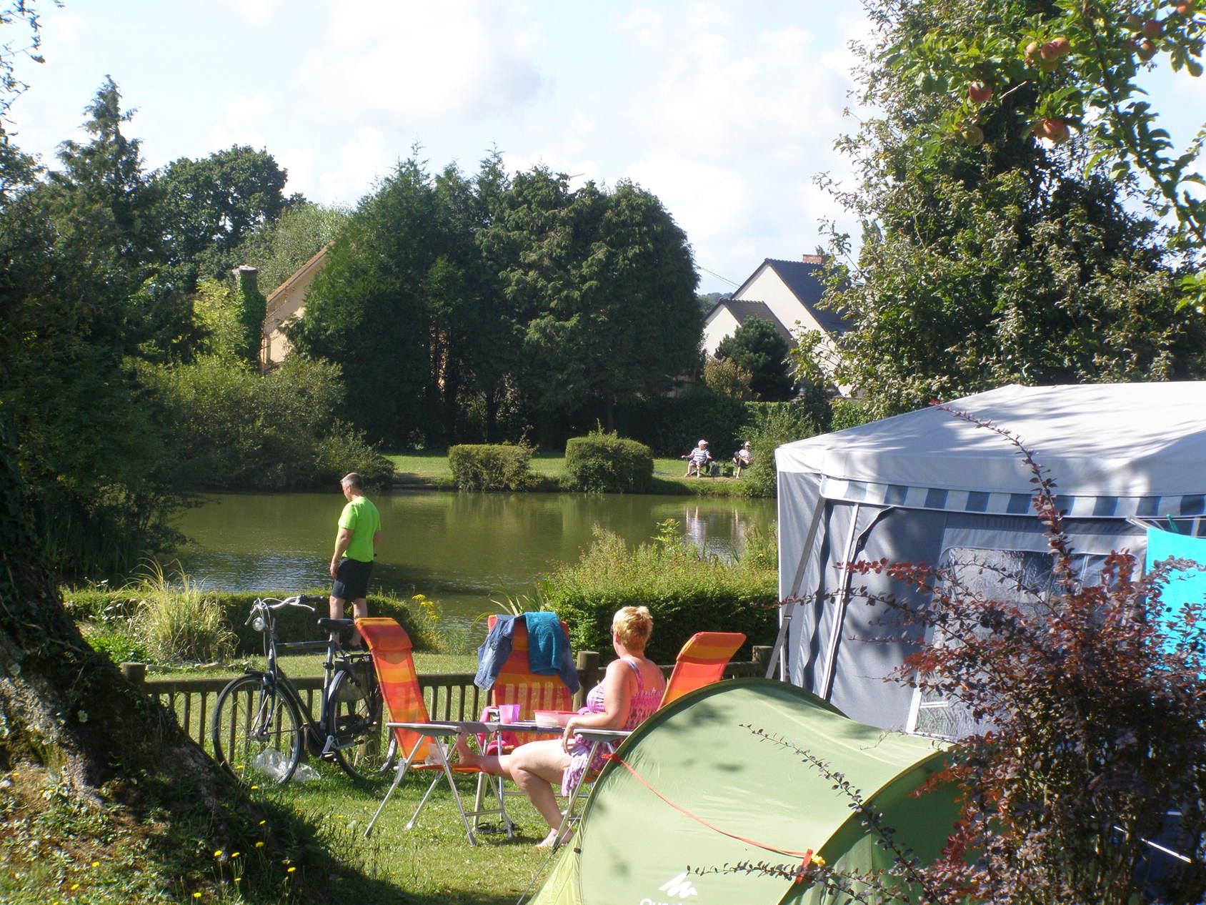 Camping L'étang Des Haizes in Saint-Symphorien-le-Valois - Manche, Frankrijk foto 8283151