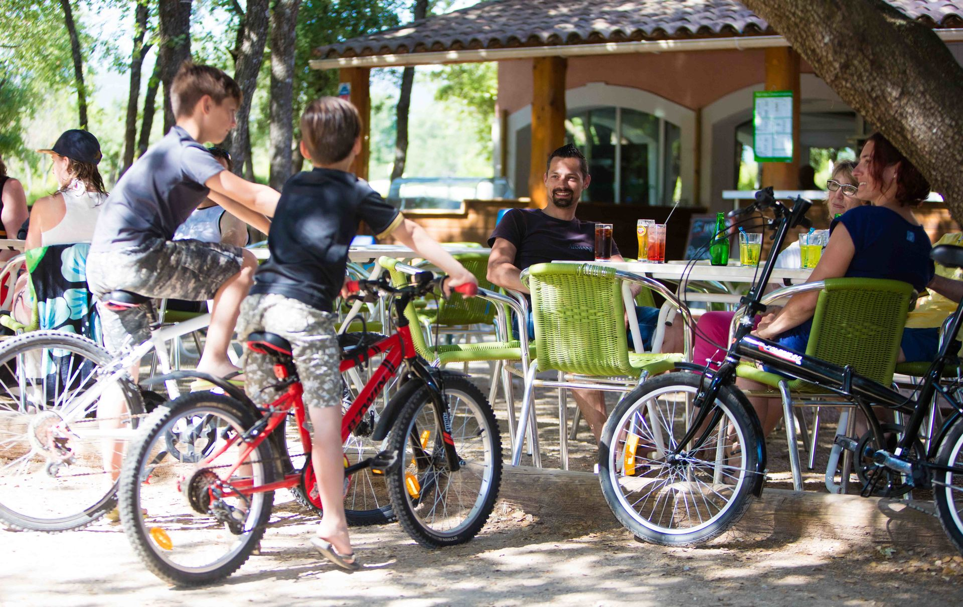 Frankrijk-SaintSaturninlesApt-Camping%20Les%20Chenes%20Blancs-ExtraLarge Wintersport Frankrijk|Pagina 4 van 55