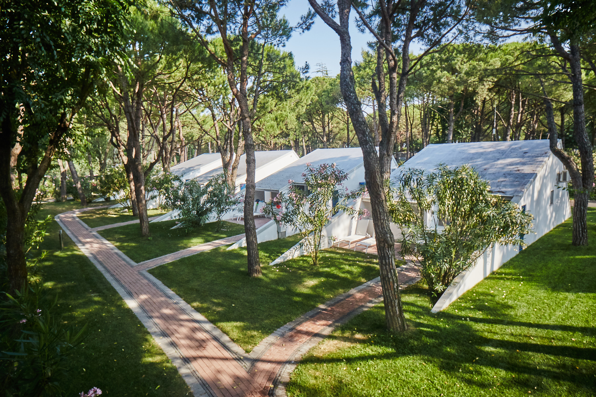 camping village dei fiori veneto itali anwb camping. Black Bedroom Furniture Sets. Home Design Ideas