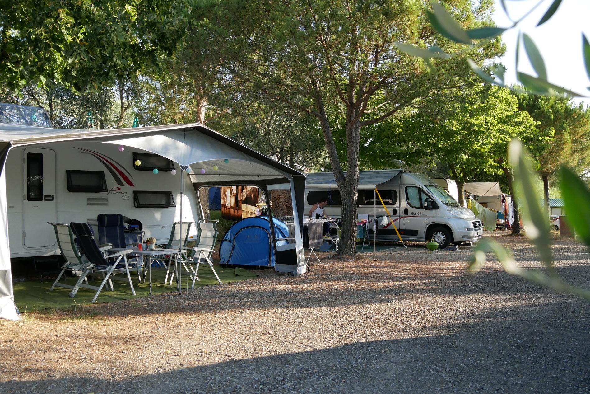 camping le soline toscane itali anwb camping. Black Bedroom Furniture Sets. Home Design Ideas
