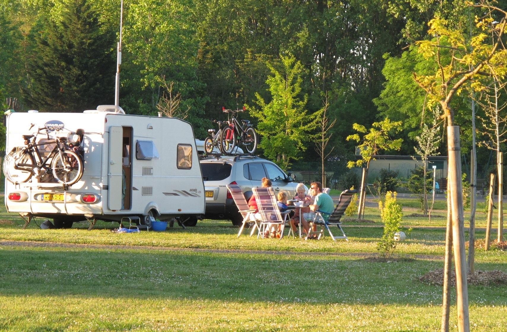 Frankrijk-Anse-Camping%20Les%20Portes%20du%20Beaujolais-ExtraLarge Campings Frankrijk
