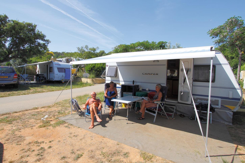 camping au paradis des campeurs provence alpen c te d 39 azur frankrijk anwb camping. Black Bedroom Furniture Sets. Home Design Ideas