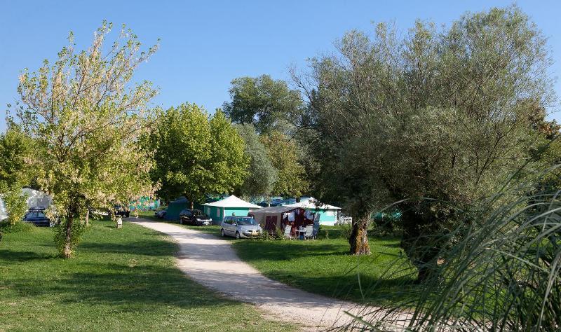 Camping Les Bords De La Loue