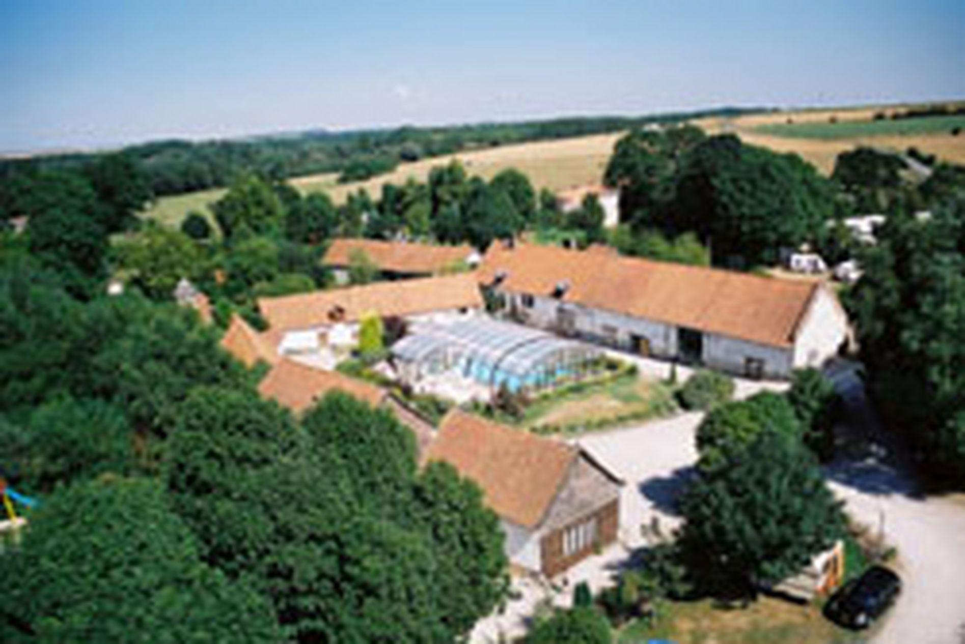 Camping la ferme des aulnes picardi frankrijk anwb for Camping a la ferme auvergne piscine
