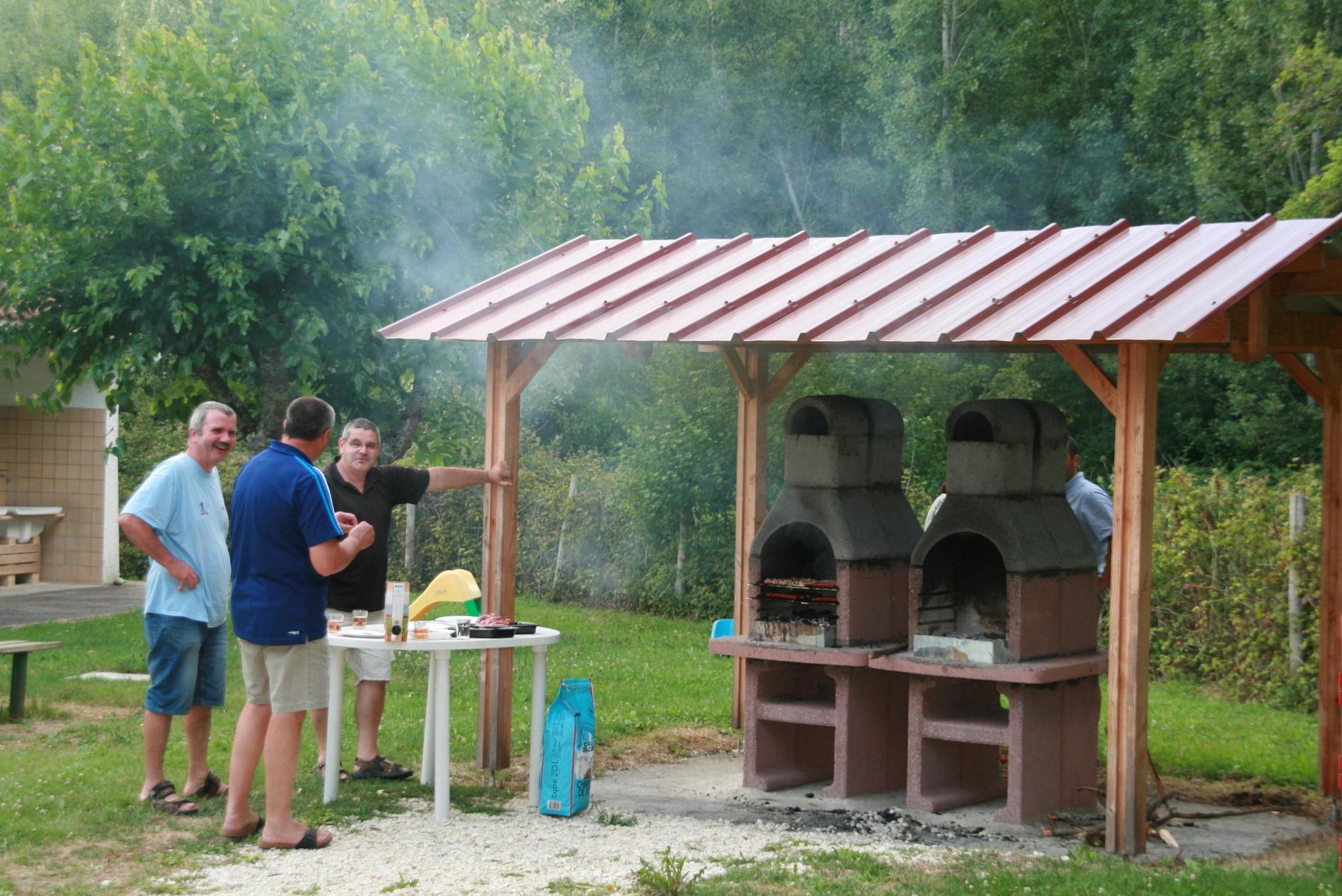 Camping Domaine Du Lac De Neguenou