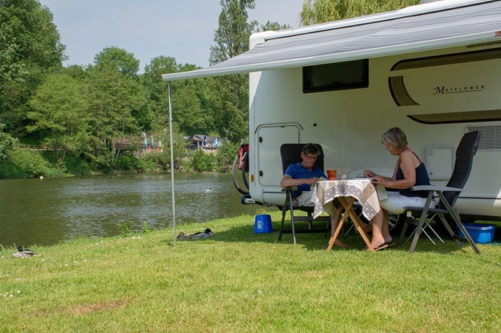 Camping Les Rochers Des Parcs